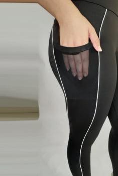 Legging com bolso tule